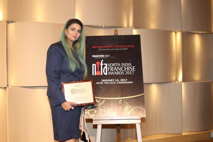 Entreprenuer 2017 award1.jpg